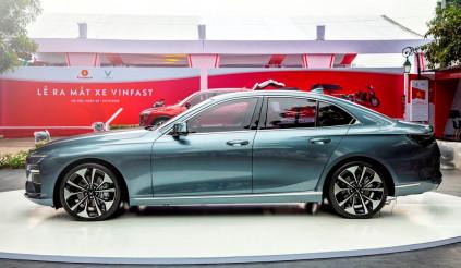 VinFast Lux A2.0 có giá 800 triệu đồng được trang bị những gì?