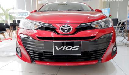 So kè 2 mẫu sedan hạng B: Mazda 2 đối đầu Toyota Vios 2018
