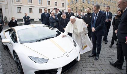 10 đô la và cơ hội sở hữu Lamborghini Huracan LP580-2 của Đức Giáo hoàng Francis