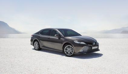 Toyota Camry 2019 ra mắt thị trường Anh vào tháng 4