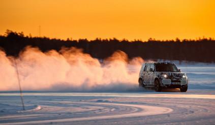 Land Rover hé lộ hình ảnh về Defender 2020