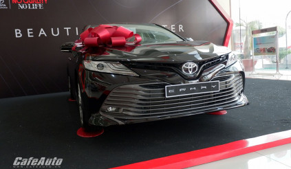 Ưu tiên giá bán, Toyota 'ém nhẹm' động cơ mới và hàng tá công nghệ trên Camry 2019