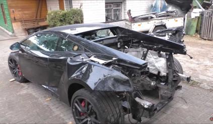 """Xem kĩ sư người Nga """"hồi sinh"""" chiếc Lamborghini Gallardo bị đâm"""