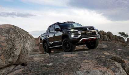 """Mitsubishi quyết """"soán ngôi"""" Ford Ranger Raptor với Triton Absolute"""