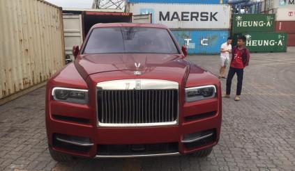 Siêu phẩm Rolls-Royce Cullinan thứ 4 màu độc chính thức có mặt tại Việt Nam