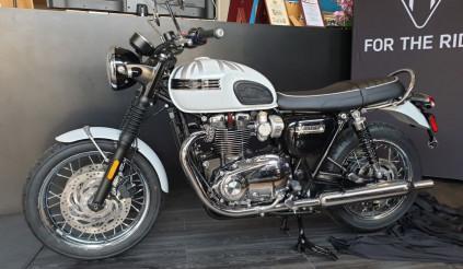 Triumph ra mắt 2 mẫu xe đặc biệt, giá từ 420 triệu đồng