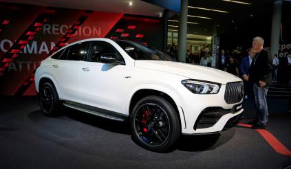 """Mercedes-AMG GLE 53 Coupe 2020 ra mắt """"sánh vai"""" cùng BMW X6"""