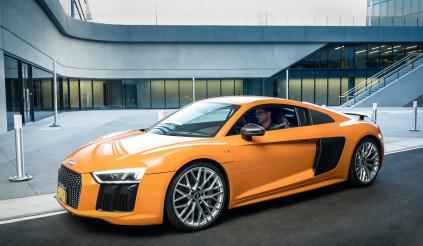 Audi lý giải vì sao 'Iron Man' lại sánh đôi cùng siêu xe R8