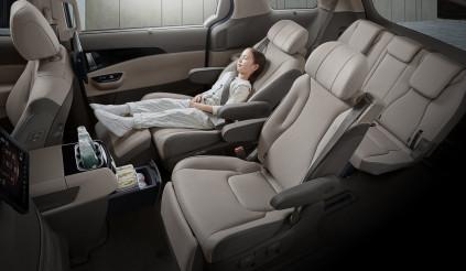Kia Sedona 2021 lộ ảnh nội thất sang như xe sang