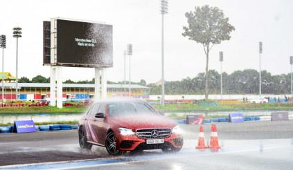Trải nghiệm đường đua tốc độ đúng chuẩn tại Mercedes-Benz Driving Experience 2020