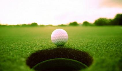Gậy âm trong golf là gì? Kỷ lục gậy âm trong golf thế giới thuộc về ai?