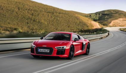 """Hài hước chuyện tài xế Audi R8 bị đại lý chế giễu """"của quý"""""""