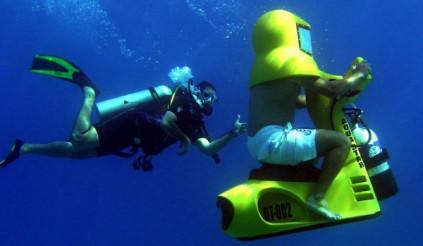 Khám phá những điều thú vị dưới đáy đại dương với loại xe máy mới