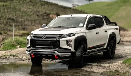 """Mitsubishi Triton siêu ngầu dưới """"bàn tay"""" độ RVE"""