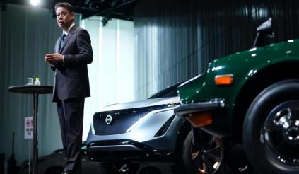 Nissan điêu đứng vì những cái đầu nóng của các nhà đầu tư