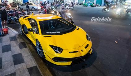 Giá hơn 60 tỷ, siêu bò Lamborghini Aventador SVJ màu vàng thứ 2 về Việt Nam có gì đặc biệt?