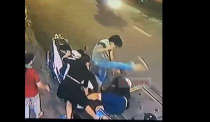 Thanh niên cầm dao chạy Honda SH thích thể hiện và cái kết được lòng người xem