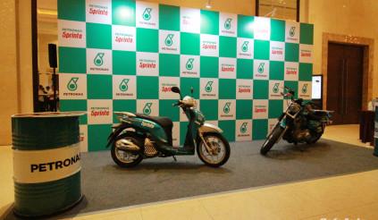 Dầu nhờn Petronas Sprinta với công nghệ UltraFlex ra mắt thị trường Việt Nam