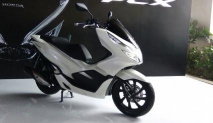 Honda PCX150 2018 thay đổi kiểu dáng thêm ABS, giá từ 45 triệu đồng