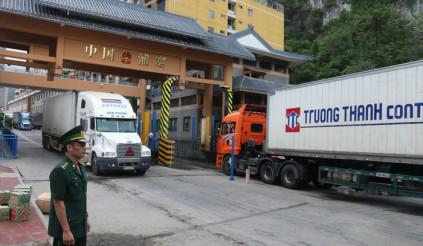 Việt Nam chưa chấp nhận dán biển số xe điện tử như phía Trung Quốc yêu cầu