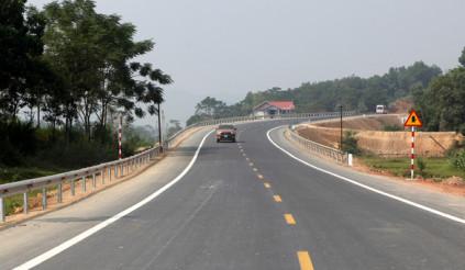 Vì sao vẫn đóng phí sử dụng khi đã bỏ Quỹ bảo trì đường bộ?