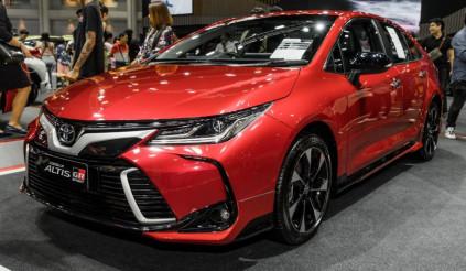 Toyota ra mắt Corolla Altis GR Sport giá từ 765 triệu, quyết đấu Mazda3 tại Thái Lan