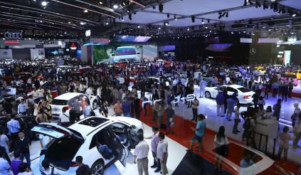 Giảm giá hàng trăm triệu khách vẫn thờ ơ, thị trường ô tô không tăng trưởng như kỳ vọng