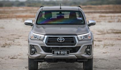 Toyota Hilux 2020 mặc thêm áo, nâng động cơ