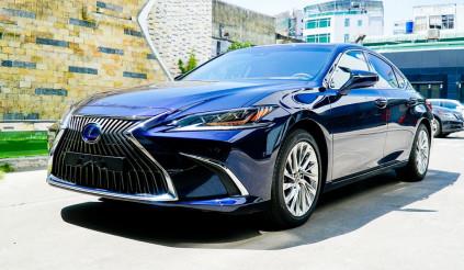 Lexus ES 2021 chính thức ra mắt tại Việt Nam, giá từ 2,54 tỷ đồng