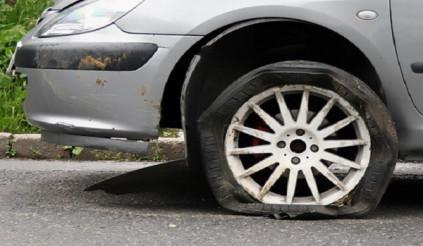 Dấu hiệu cần phải thay lốp ô tô ngay nếu không muốn 'thần chết' đoạt mạng