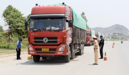 Xe tải chở hàng vượt quá 60% trọng tải phạt thế nào?