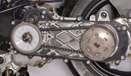 Nhông xích, curoa và những điều cần nắm về hệ thống truyền động xe máy để hư đâu sửa đấy